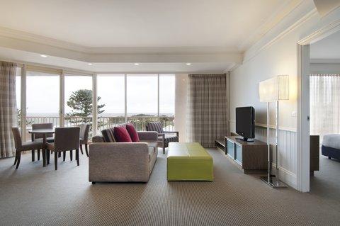 Crowne Plaza TERRIGAL - Terrace Suite