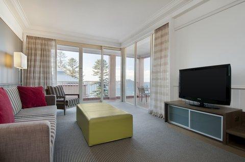 Crowne Plaza TERRIGAL - Pine Suite