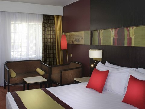 Mercure Cairo Le Sphinx Hotel - Guest Room