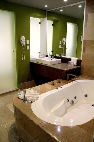Holiday Inn QUERETARO ZONA KRYSTAL - Jacuzzi Suite