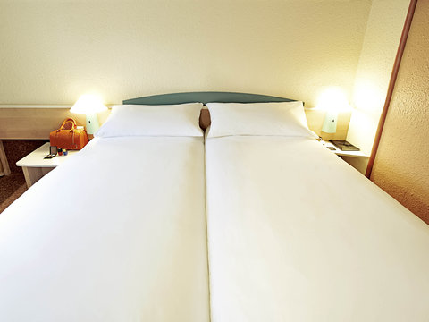 ibis Chambery - Guest Room