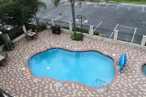 Holiday Inn Express & Suites ALICE - Swimming Pool