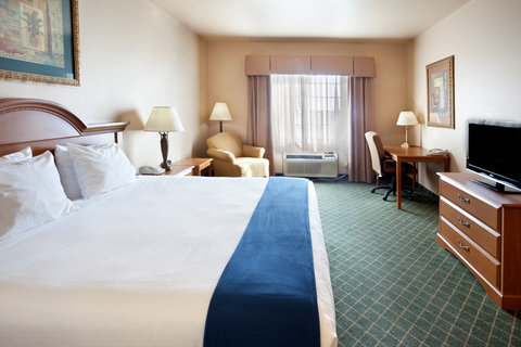 Holiday Inn Express & Suites ALICE - Large Executive Room with pull-out sofa bed