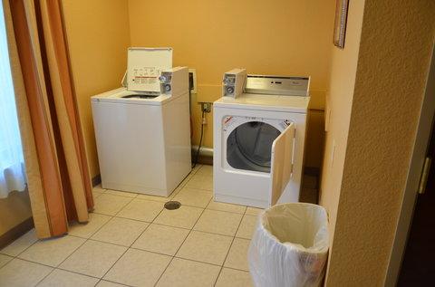 Holiday Inn Express Hotel & Suites Amarillo South - Dollar Wash  Dollar Dry