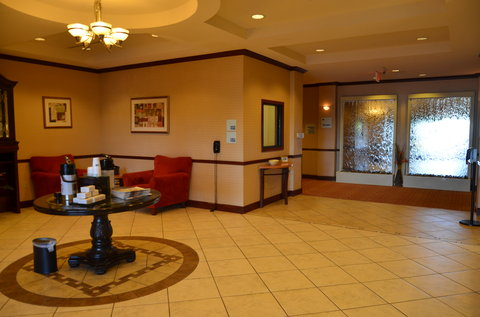 Holiday Inn Express Hotel & Suites Amarillo South - Lobby