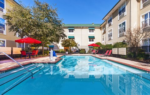 Candlewood Suites DALLAS/MARKET CENTER - Swimming Pool