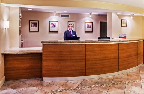 Candlewood Suites DALLAS/MARKET CENTER - Front Desk