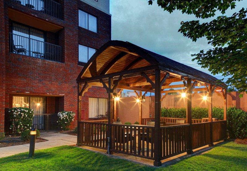 Courtyard By Marriott Anniston Oxford