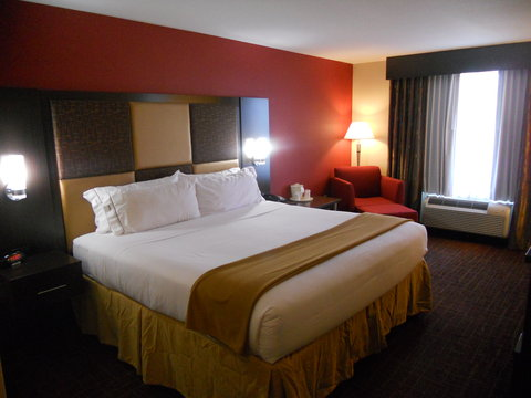 Holiday Inn Express & Suites GREENSBURG - King Bed Guest Room