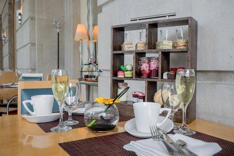 加的夫希尔顿酒店 - Razzi Restaurant Afternoon Tea