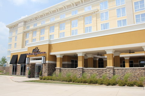 Holiday Inn Hotel & Suites EAST PEORIA - Hotel Exterior