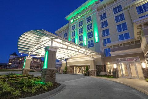 Holiday Inn Hotel & Suites EAST PEORIA - Exterior Feature - Holiday Inn   Suites hotel in East Peoria  IL