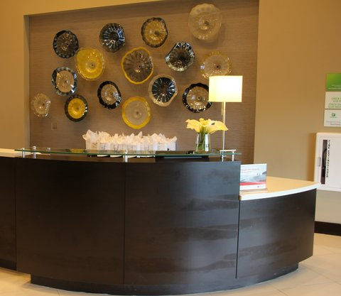 Holiday Inn Hotel & Suites EAST PEORIA - Front Desk