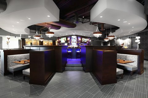 Holiday Inn Hotel & Suites EAST PEORIA - Lobby Bar