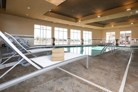 Holiday Inn Hotel & Suites EAST PEORIA - Swimming Pool