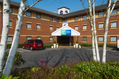 Holiday Inn Express EXETER M5, JCT. 29 - Exeter Airport is just 5 minutes from our hotel