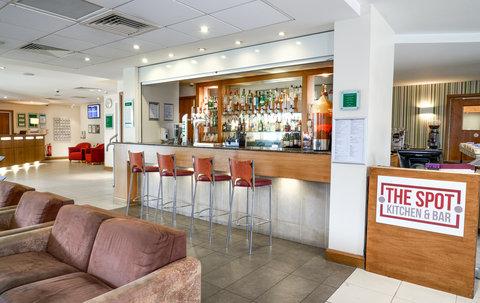 Holiday Inn BRISTOL AIRPORT - The Spot Kitchen   Bar