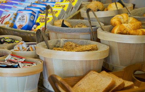 Holiday Inn BRISTOL AIRPORT - Breakfast