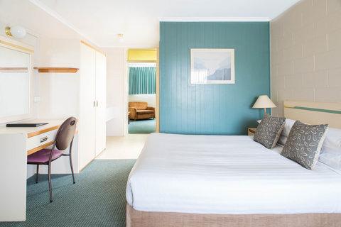 Sunrise Motor Inn - Two Bedroom Unit Front