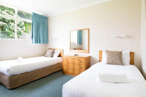 Sunrise Motor Inn - Two Bedroom Unit Back