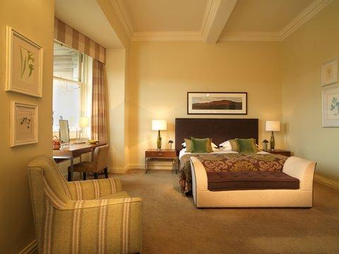 Rocco Forte Balmoral Hotel - The Balmoral - Deluxe Room