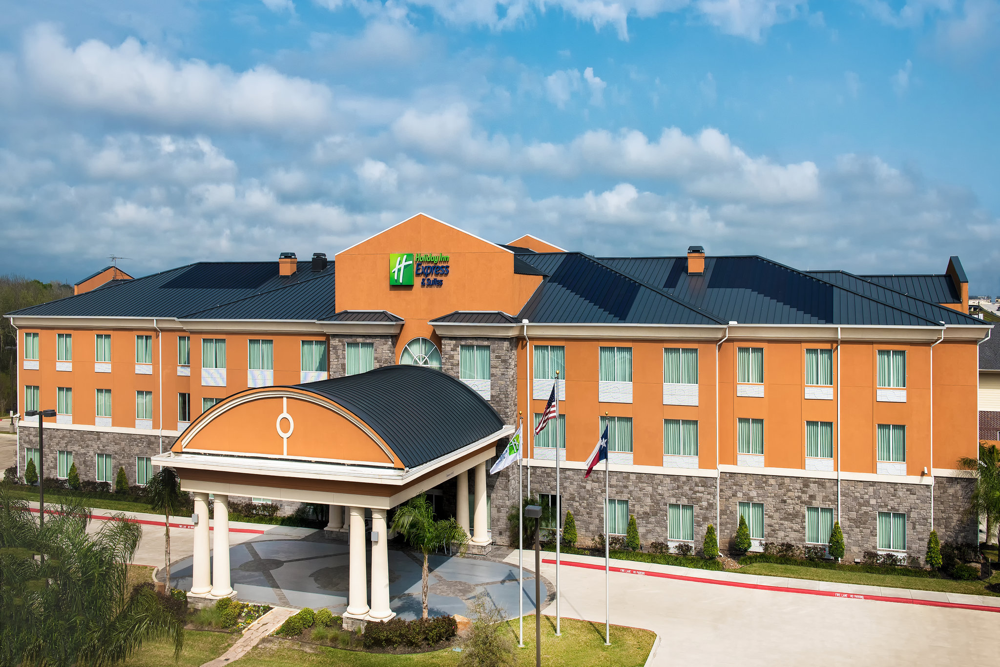 Holiday Inn Express & Suites Clute - Lak