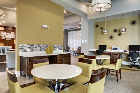 Holiday Inn Express & Suites ALBANY - Breakfast Area