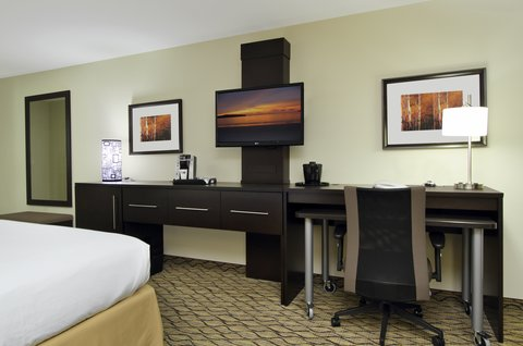 Holiday Inn Express & Suites COLORADO SPRINGS-FIRST & MAIN - Sleep well in our spacious Colorado Springs hotel guest room