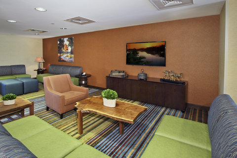 Holiday Inn Express & Suites COLORADO SPRINGS-FIRST & MAIN - Spacious Lobby in Our Beautiful Colorado Springs Hotel