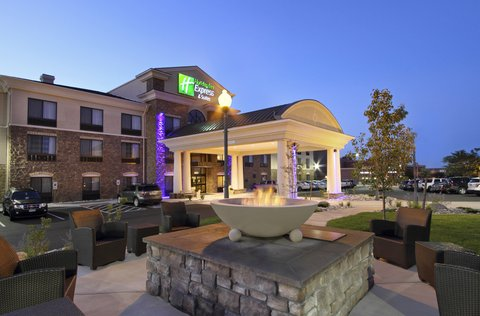 Holiday Inn Express & Suites COLORADO SPRINGS-FIRST & MAIN - Welcome to Our Beautiful Colorado Springs Hotel