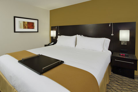 Holiday Inn Express & Suites COLORADO SPRINGS-FIRST & MAIN - Sleep in Comfort at our beautiful Colorado Springs Hotel