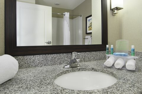 Holiday Inn Express & Suites COLORADO SPRINGS-FIRST & MAIN - Elegant bathrooms in our Colorado Springs hotel guest rooms