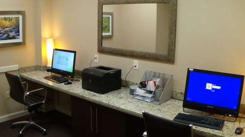 Holiday Inn COLORADO SPRINGS AIRPORT - Business Center