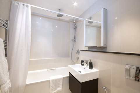 Manson Place - Two Bedroom Standard Room Bathroom