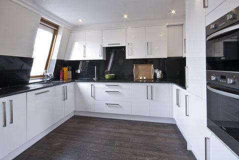 Manson Place - 3 Bedroom Penthouse Kitchen