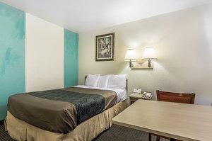 Room - Rodeway Inn West Trinity Nashville