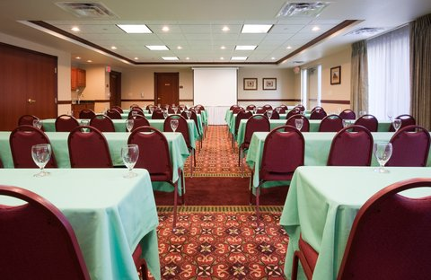 Holiday Inn Express & Suites WAUSAU - Meeting Room