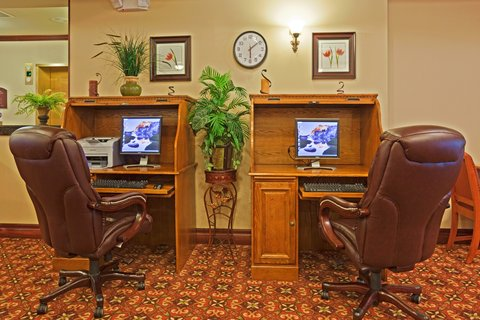 Holiday Inn Express & Suites WAUSAU - Business Center