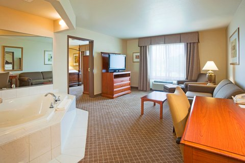 Holiday Inn Express & Suites WAUSAU - Jacuzzi Suite