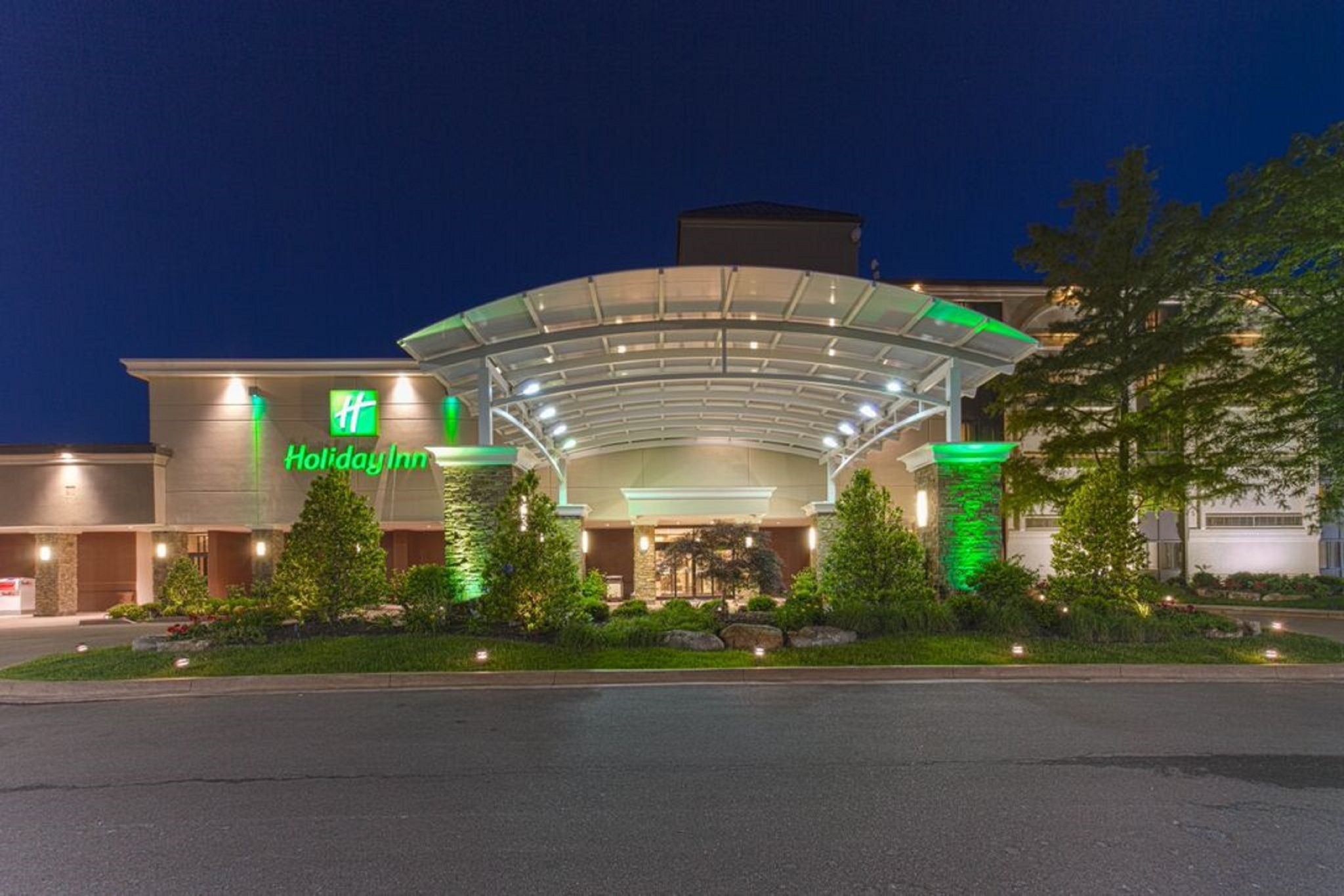 Holiday Inn Executive Center Hotel