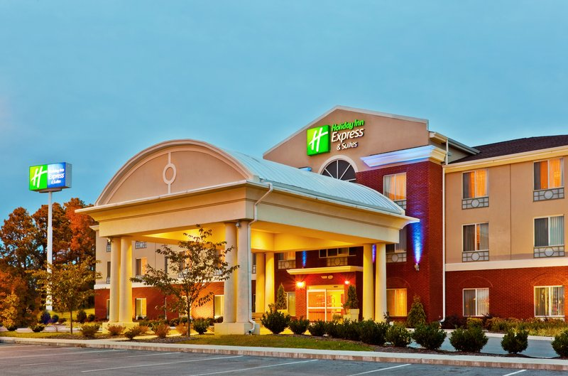 HOLIDAY INN EXP STES DICKSON