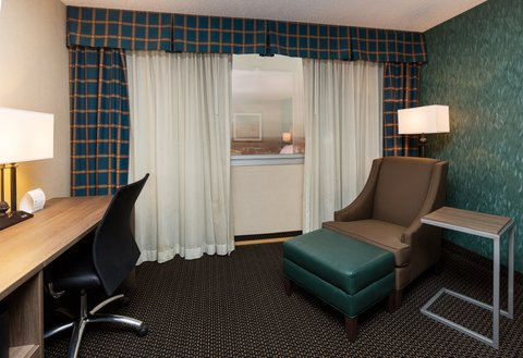 Holiday Inn Des Moines-Downtown-Mercy Campus - Guest Room