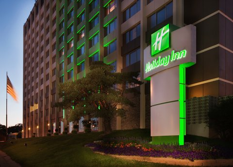 Holiday Inn Des Moines-Downtown-Mercy Campus - Hotel Downtown Des Moines  Iowa Holiday Inn