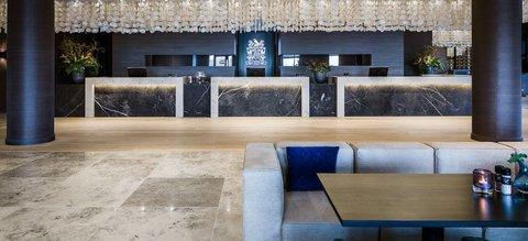 Van der Valk Hotel Zwolle - Van der valk Zwolle - Reception