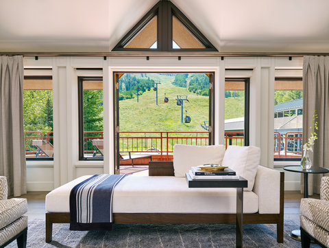 The Little Nell - Paepcke Suite View of Aspen Mountain