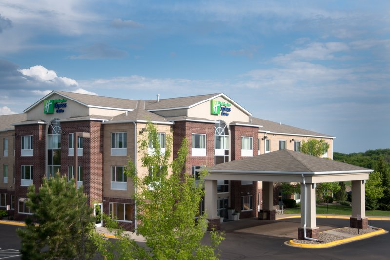 HOLIDAY INN EXP STES CHANHASSE