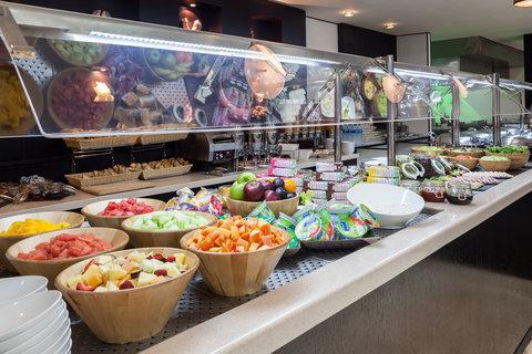 فندق هوليدي ان البرشا - Breakfast Bar