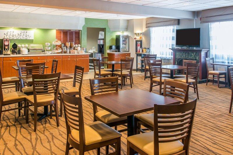 Sleep Inn & Suites - Oregon, OH