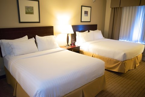 Holiday Inn Express DEVILS LAKE - Two Queen Guest Room
