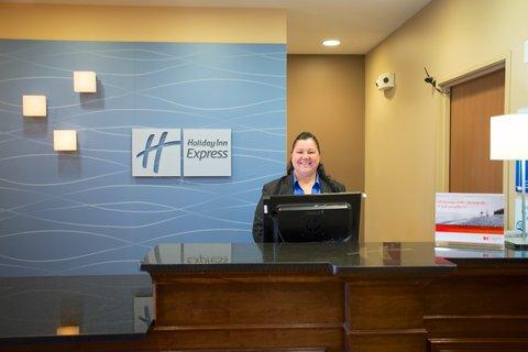 Holiday Inn Express DEVILS LAKE - Front Desk